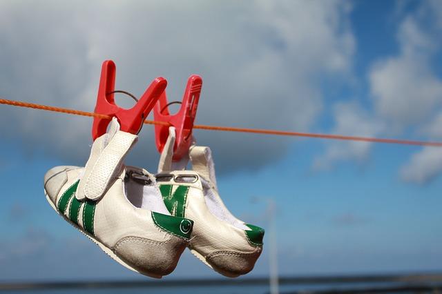 shoes-108549_640