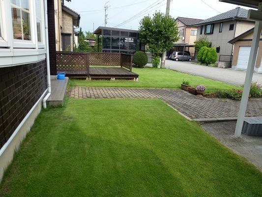 芝生の庭イメージ