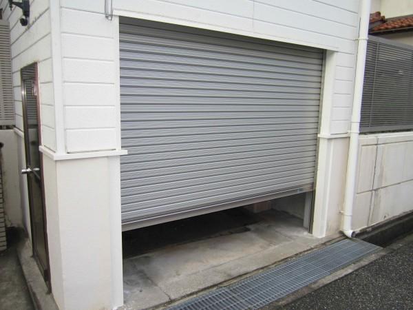 車庫の電動シャッターと手動シャッターの違い。おすすめな理由と商品紹介