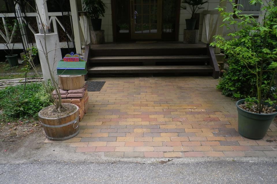 玄関スロープ製作及びデッキ補修工事