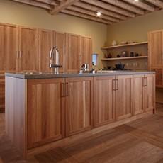 天然無垢材を使ったキッチンでおしゃれ空間を演出の画像