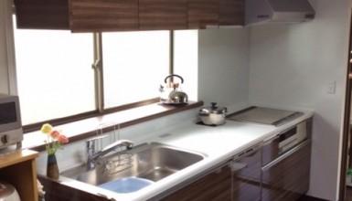 キッチン・トイレ・土間コンクリート・・キレイに明るく!
