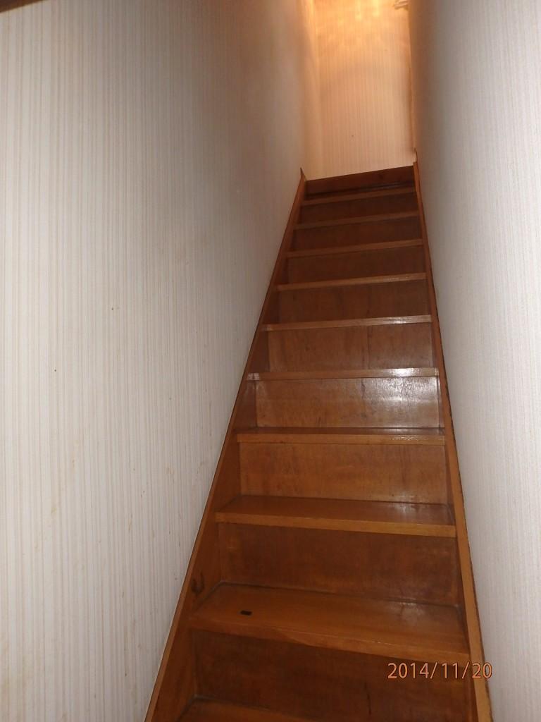 高齢者だけではない ~階段手すりの重要性~