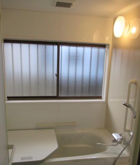 古い配管の漏水がきっかけで安全性を確保したお風呂へリフォーム