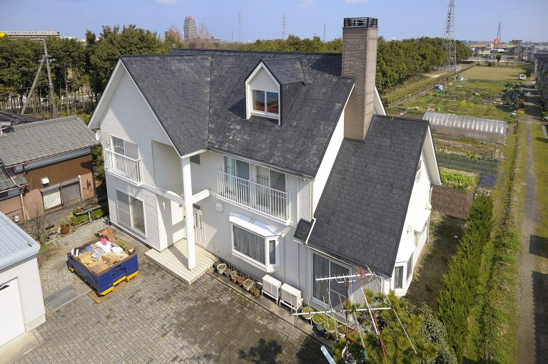北陸地方でのはじめての屋根の塗替えと葺き替えの種類とコスト