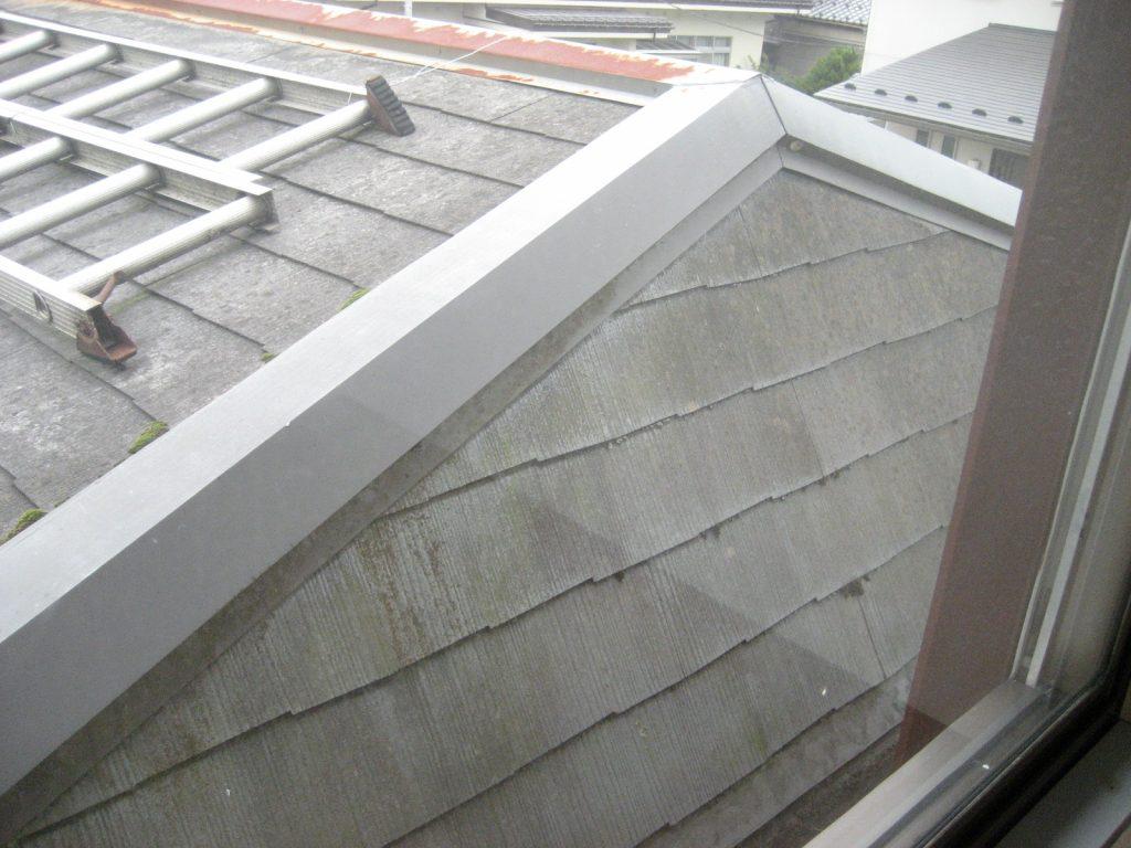 高耐久、メンテナンスフリーの金属屋根重ね張り