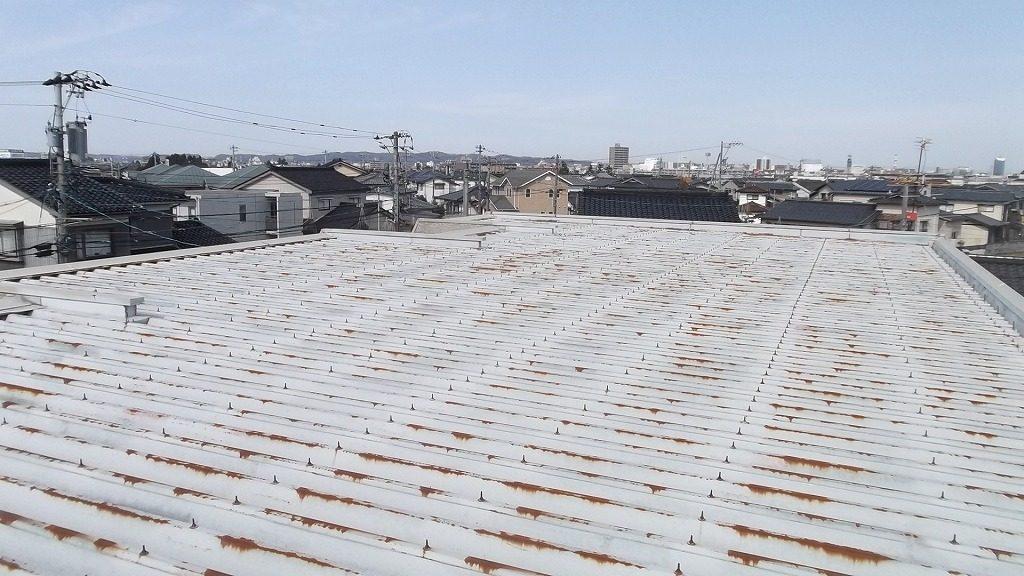 アパート折板屋根の塗装工事