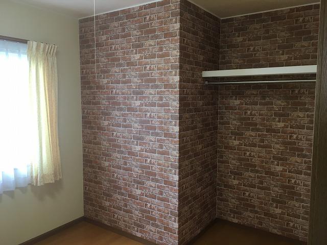 2階子供部屋の収納間仕切工事