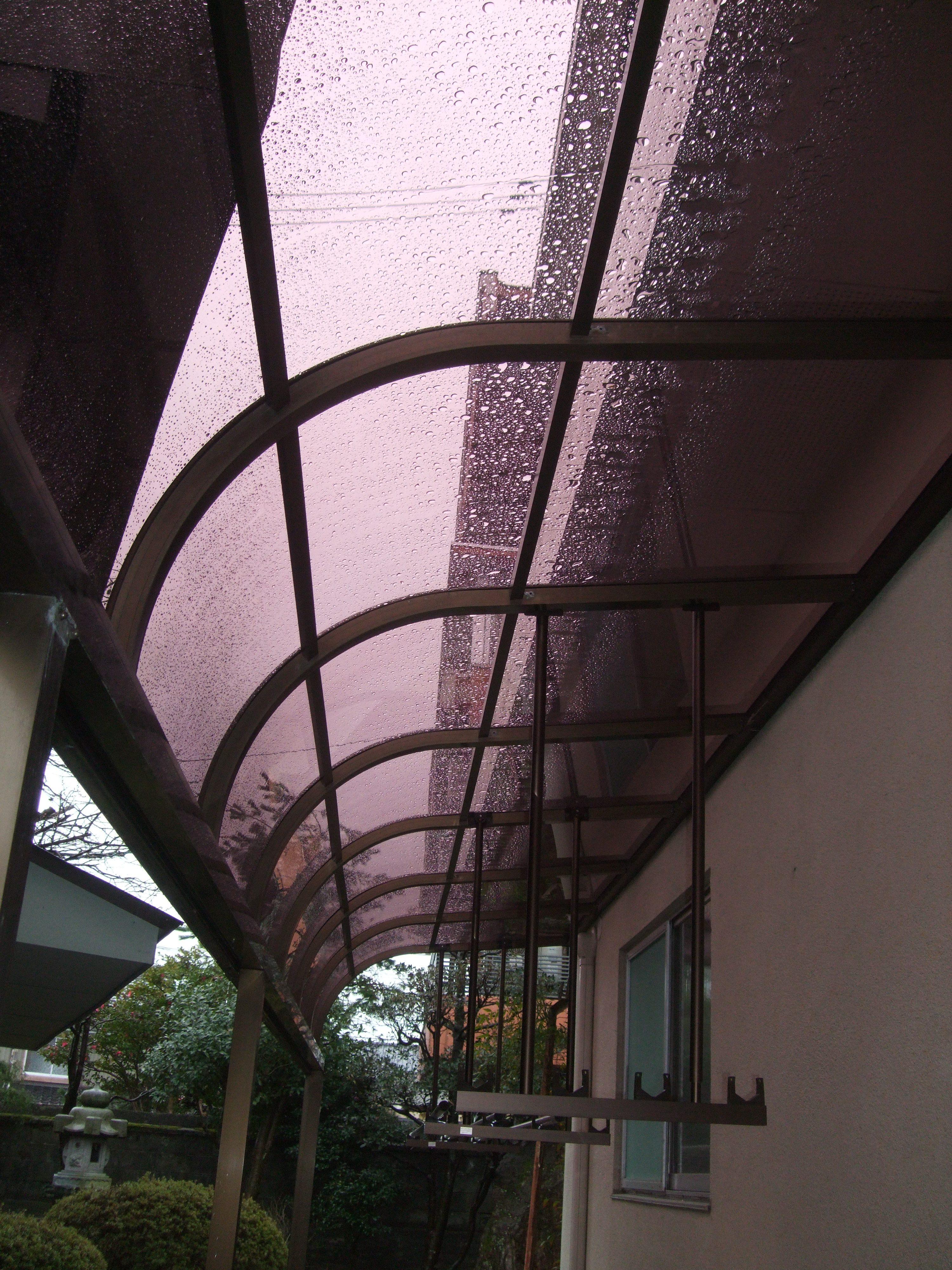 雪害のアルミテラス屋根改修は、火災保険でなおしました