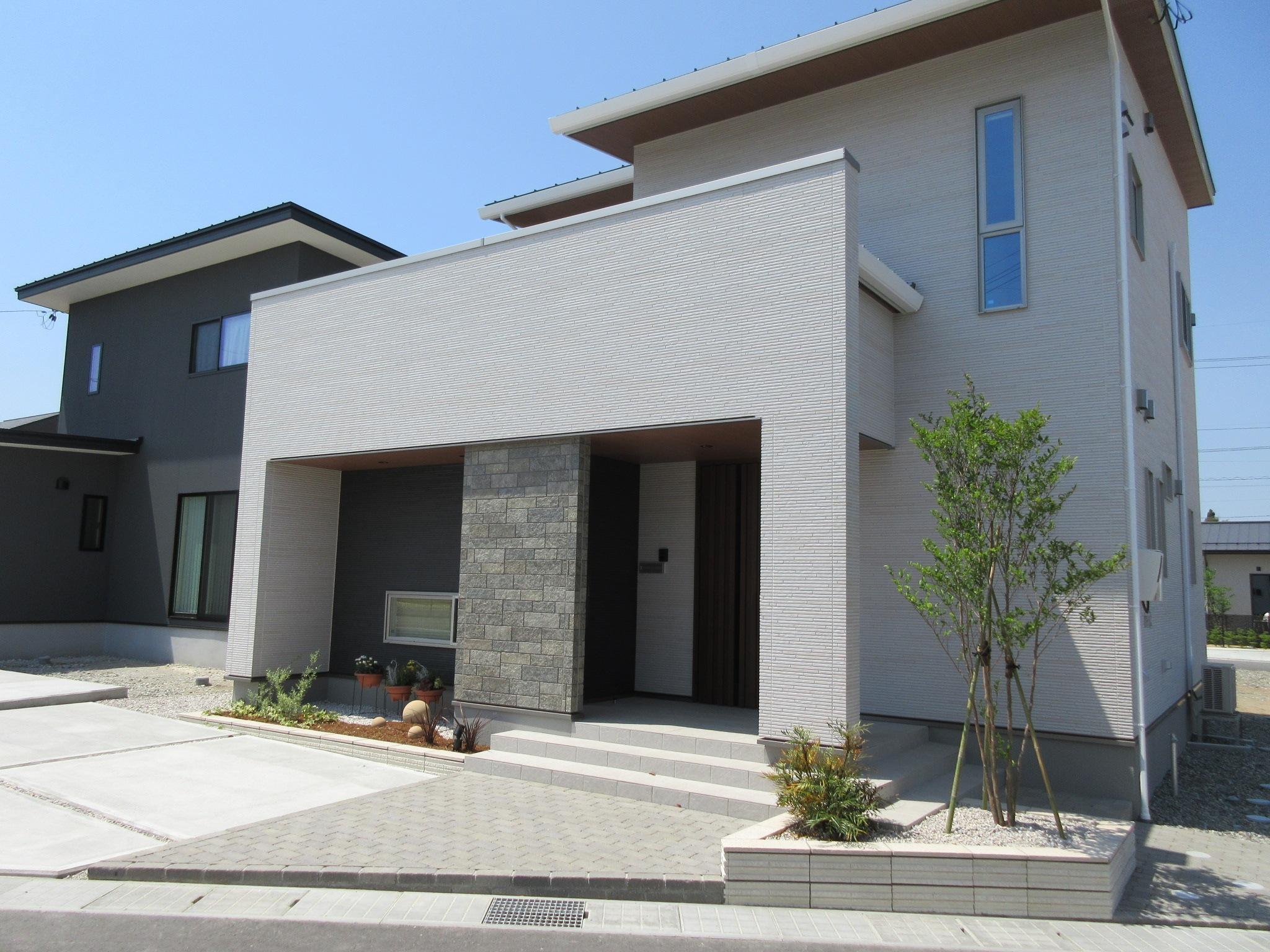 緑化を住宅と融合させたカジュアルエクステリア
