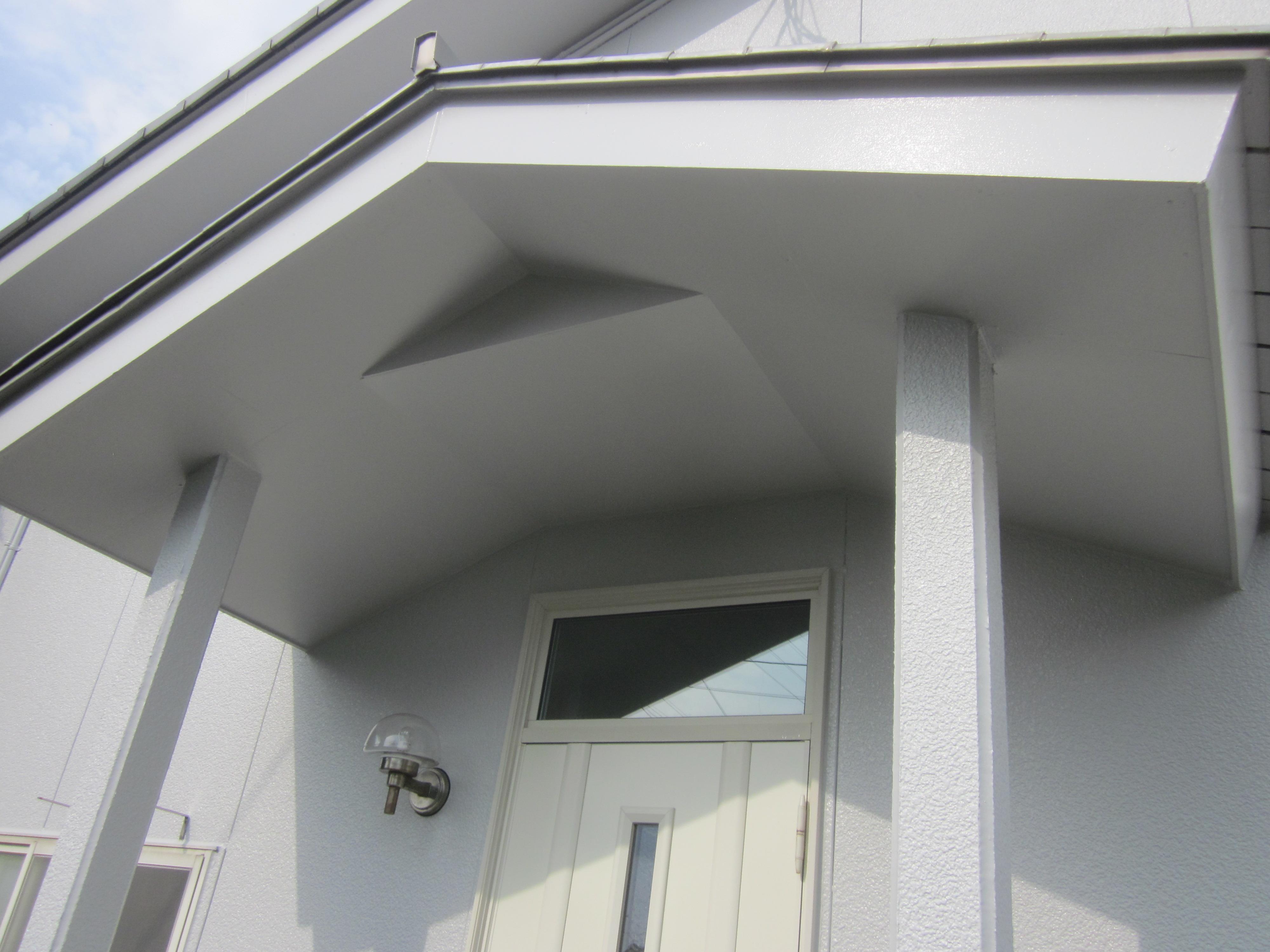 外壁塗装工事 今後のメンテナンスを考えてシンプル塗装