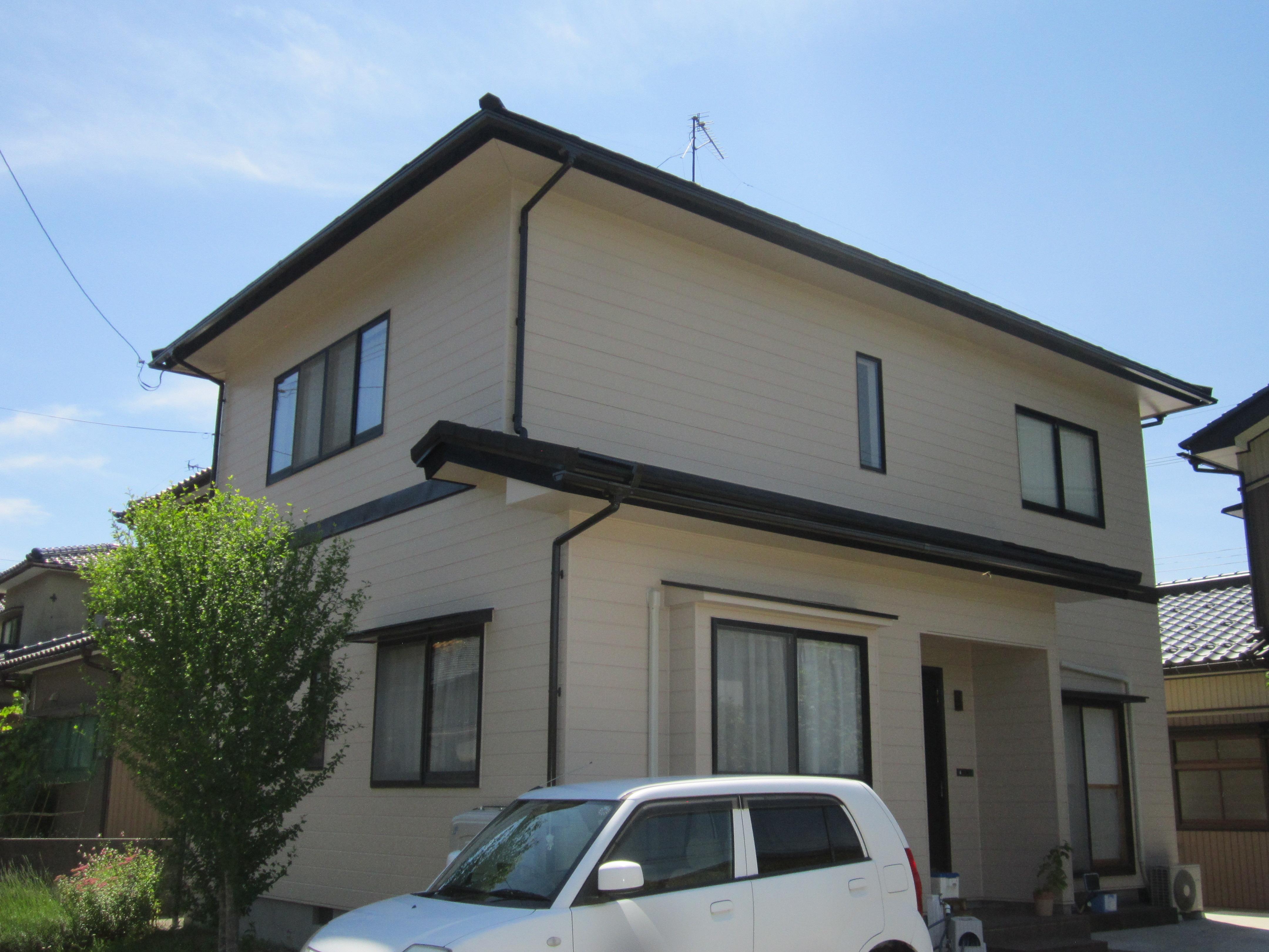 屋根・外壁リフレッシュ!~築20年目の外装工事~(金属屋根重ね張り・外壁塗装)