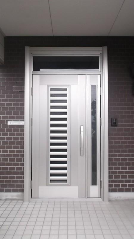 快適通風タイプの玄関ドアに取替え