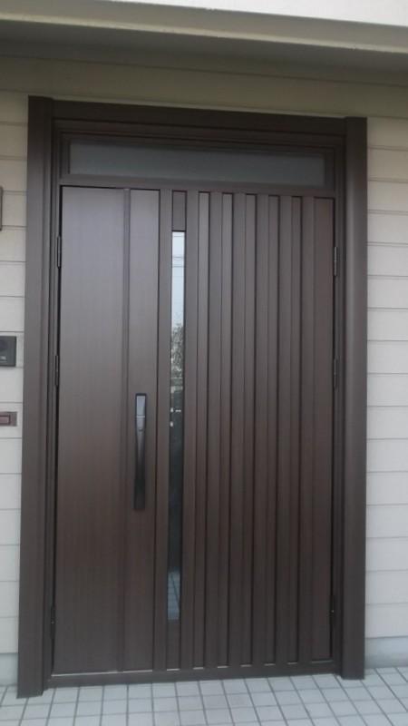 施錠ラクラクスマコン付きドアに取替え