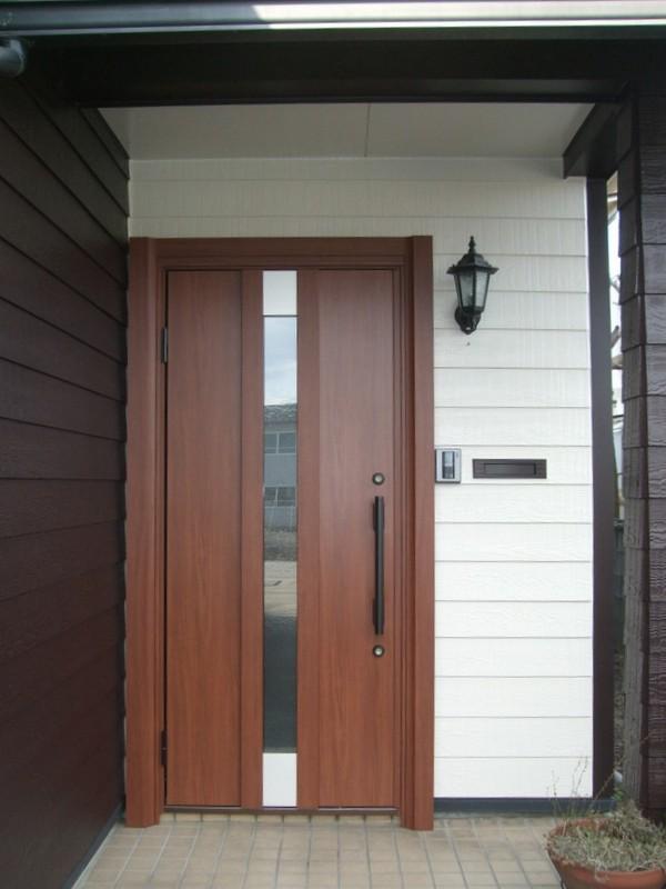木製ドアから断熱ドアに1日で入替え