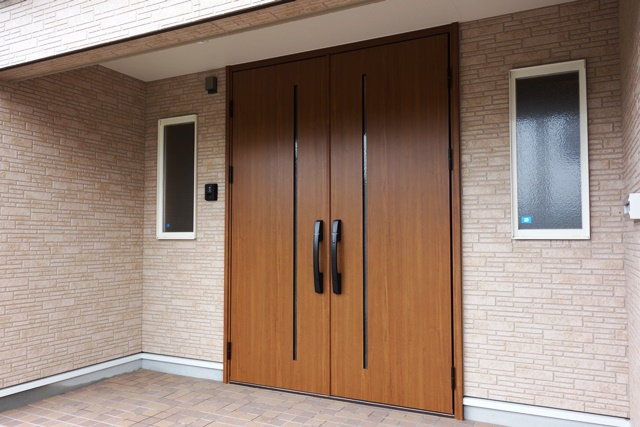 インナーガレージを広々玄関に改装