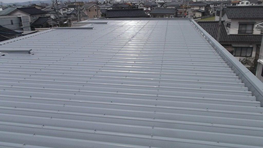 折板屋根塗装でメンテナンス