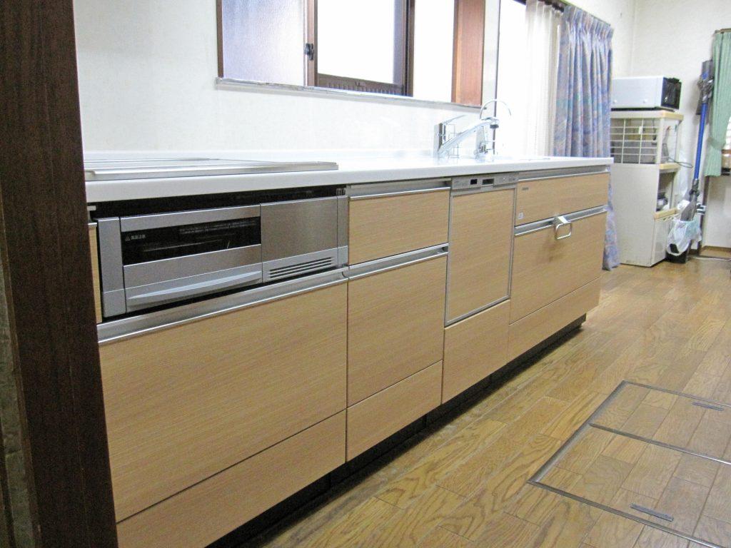 食洗器付きシステムキッチンでスッキリ