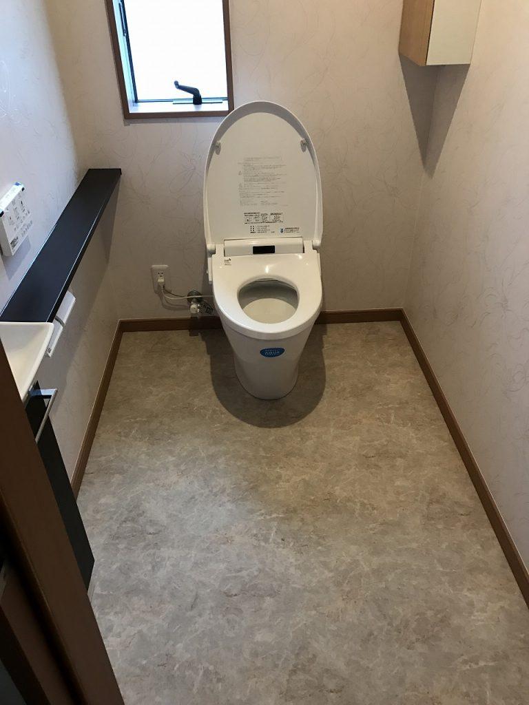 和式トイレから広々洋式トイレに改装