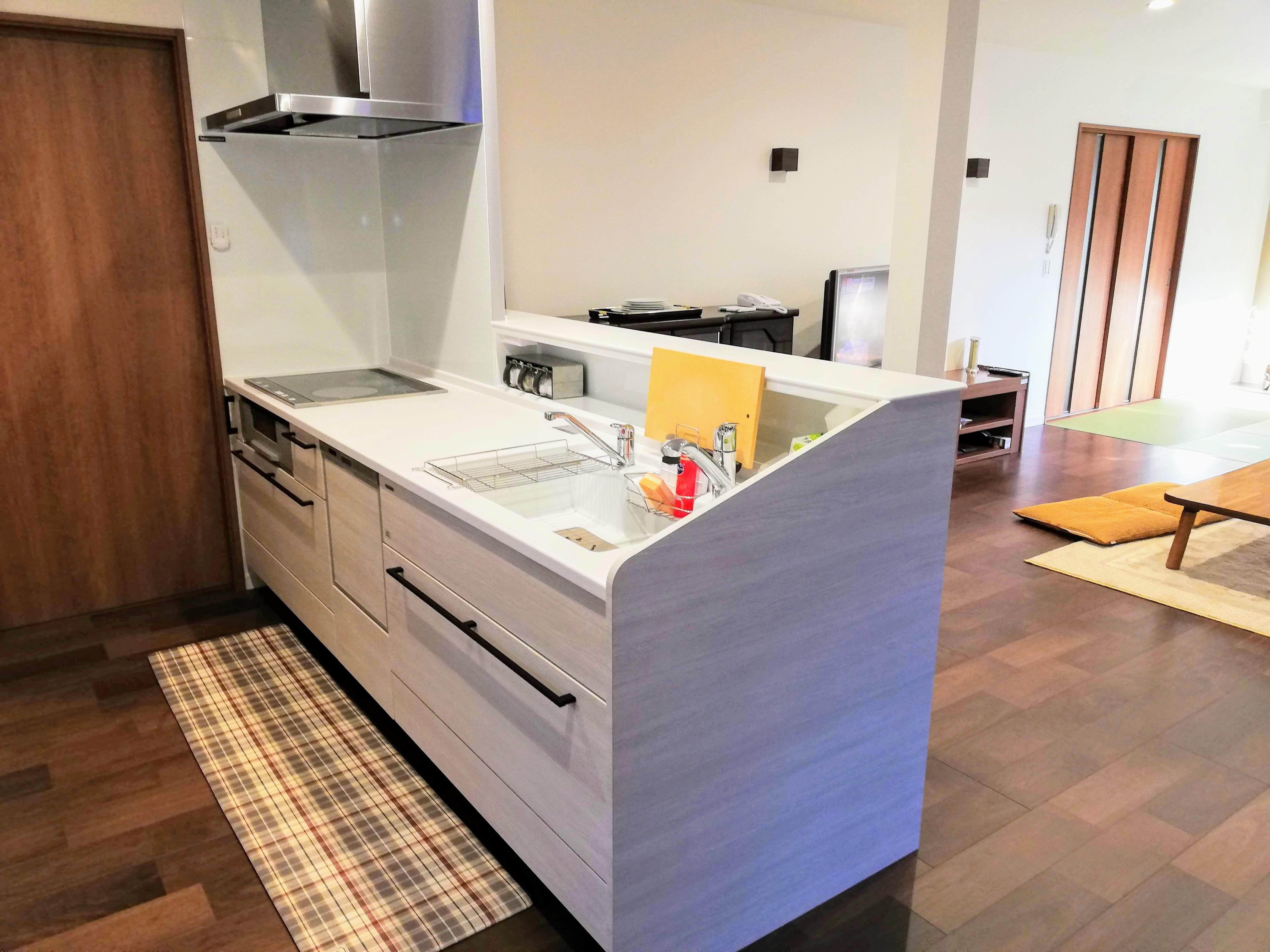 2間続きの和室と台所がリフォームで明るく快適なLDK空間に