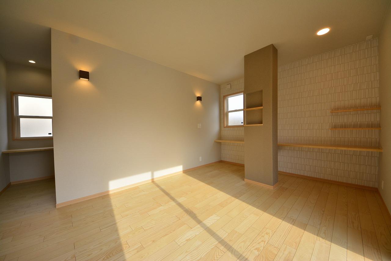 寝室として利用しやすい和室から洋室に改装