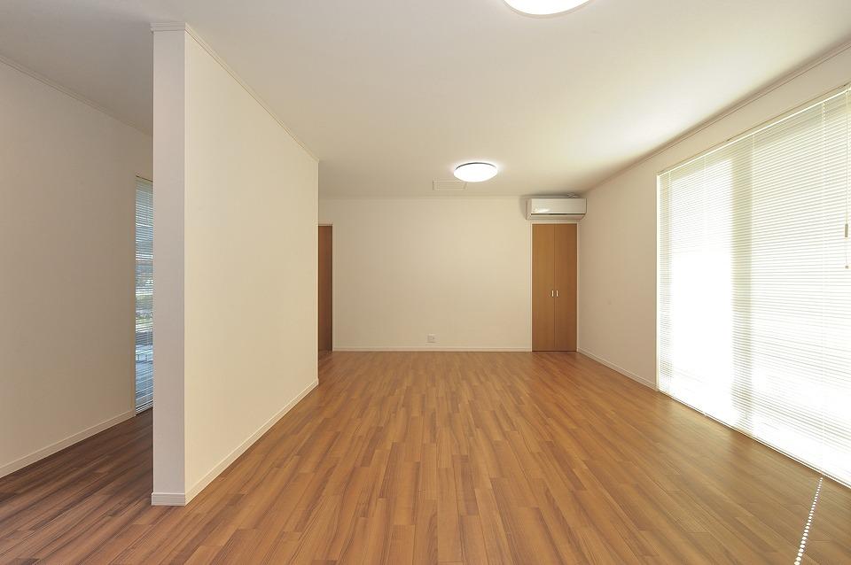 和室を開放的な洋室に改装