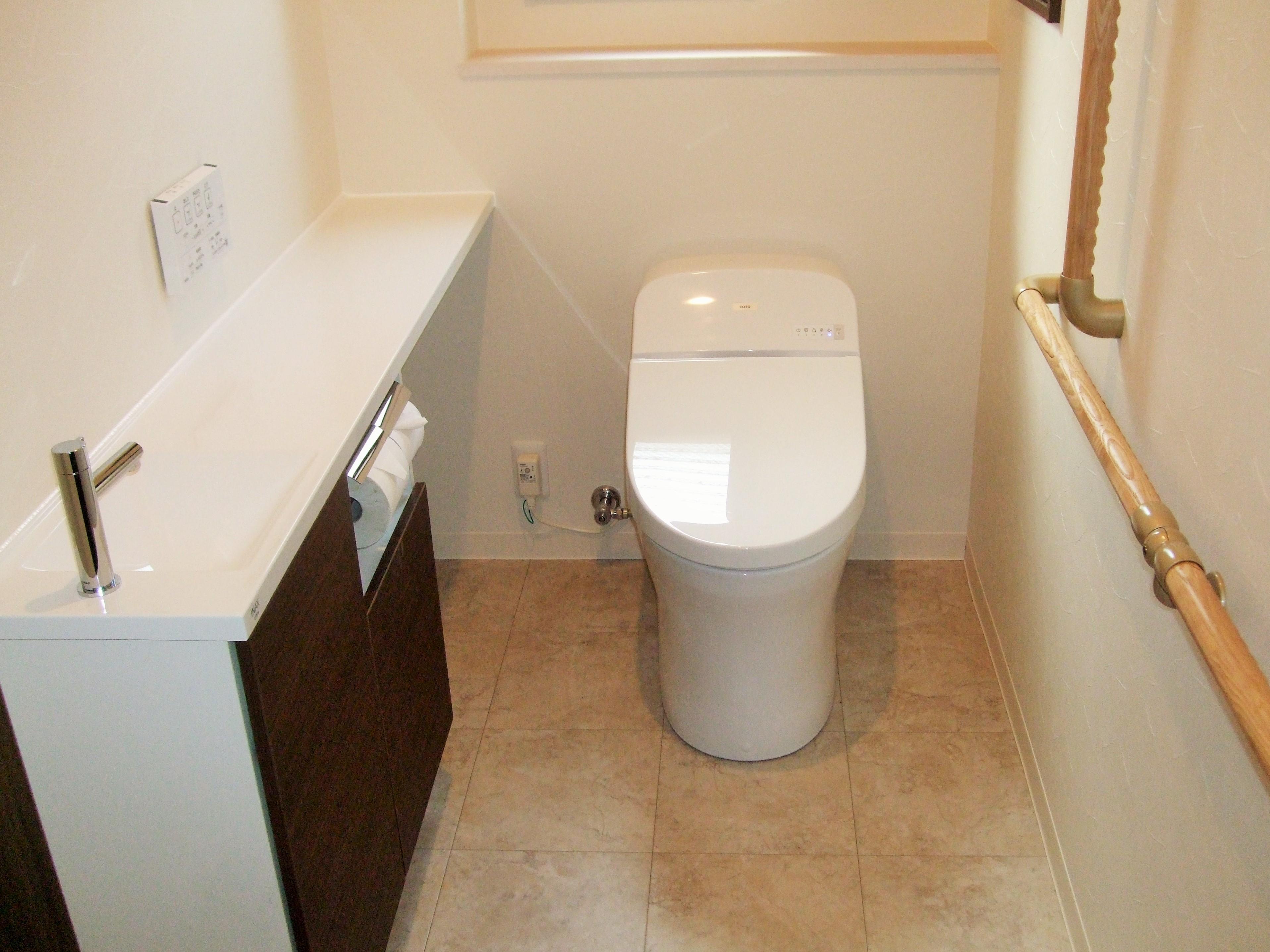 お掃除もしやすく快適なトイレになりました。