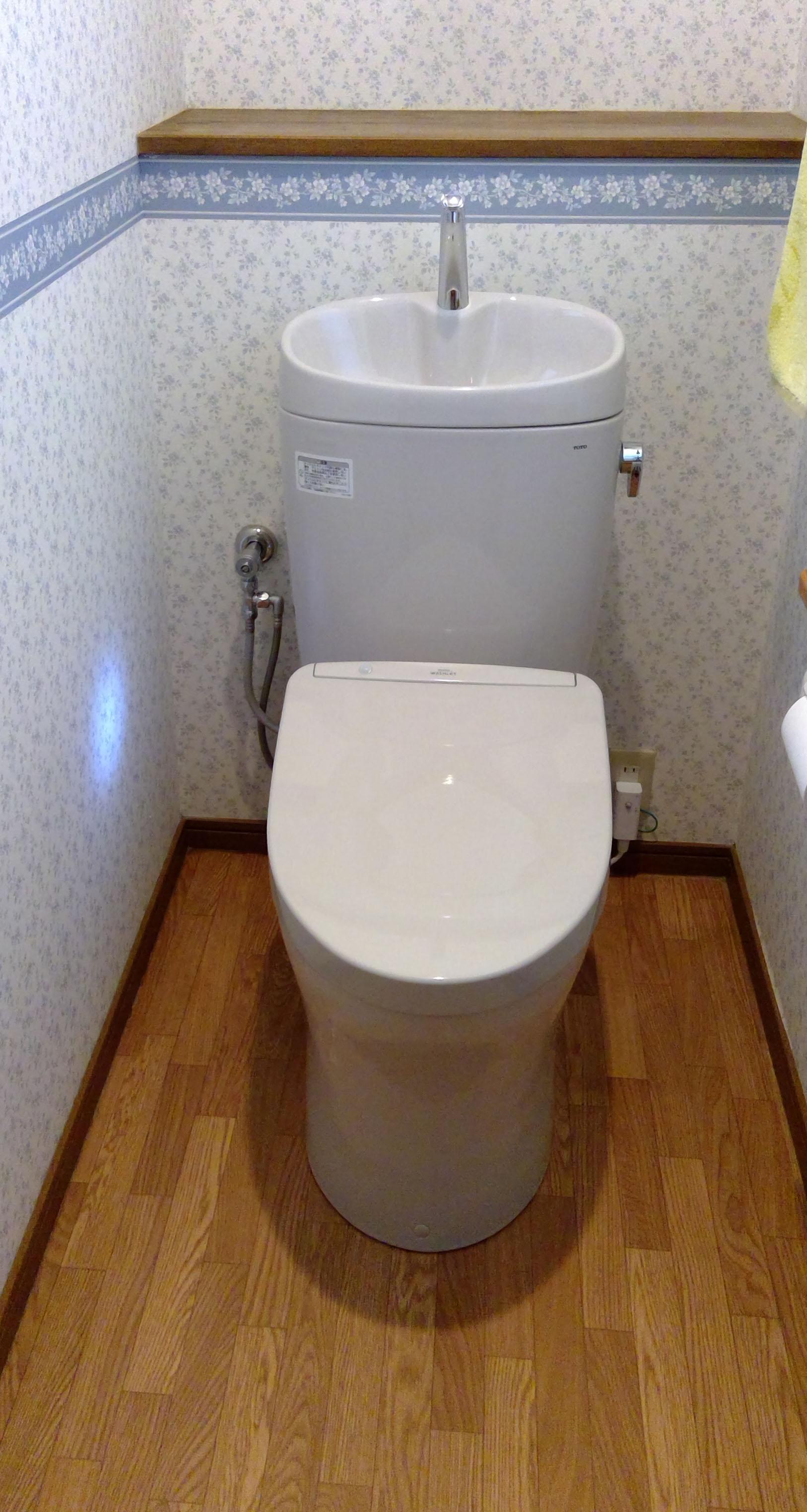 オート開閉・オート洗浄トイレTOTOピュアレストに入れ替えで快適!