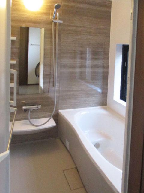 カビ掃除が大変なタイルお風呂からシステムバスへ