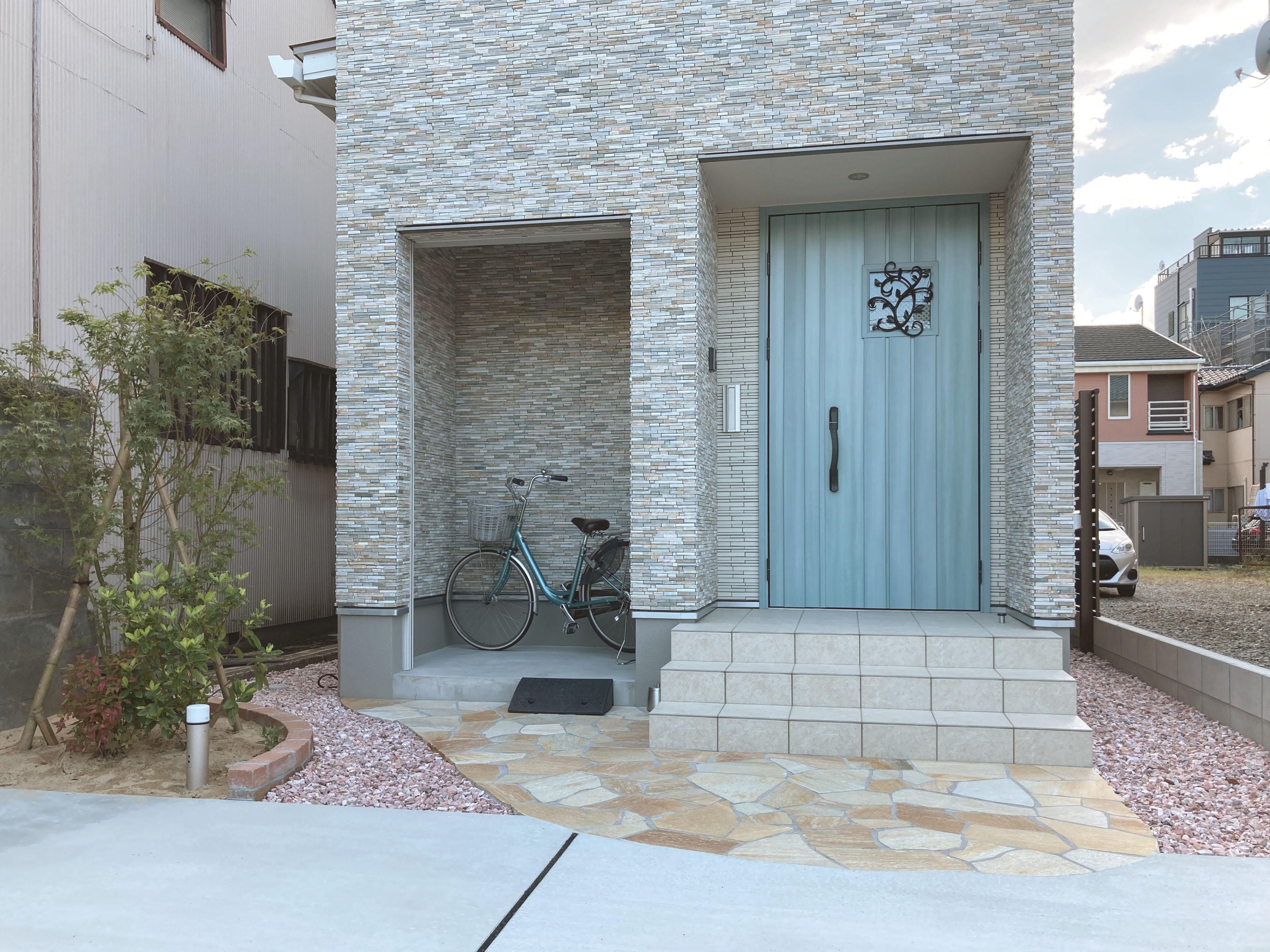 新築外構工事 かわいらしいお家にピッタリの外構ご提案しました。