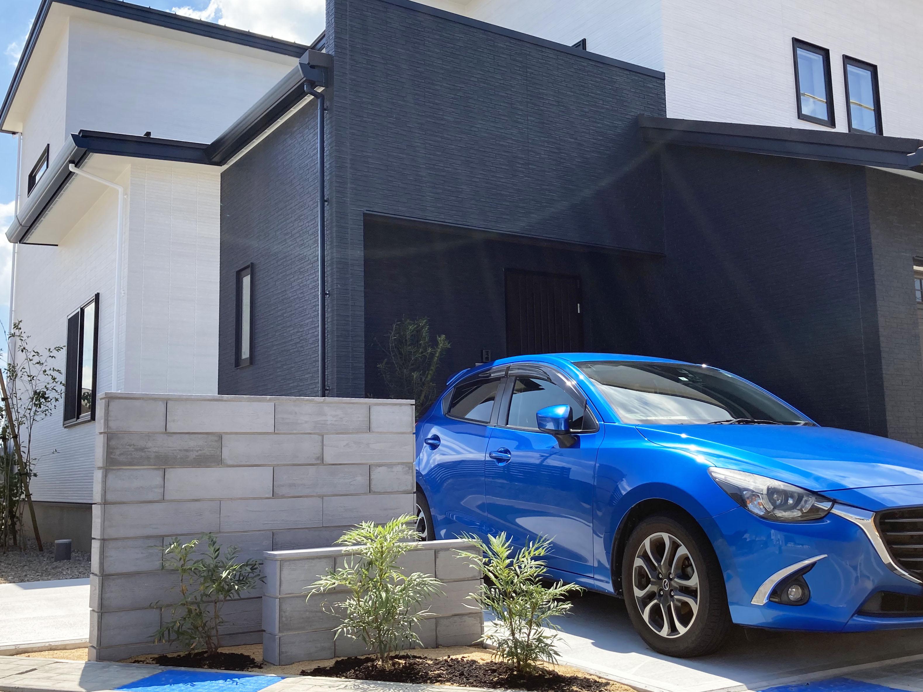 新築外構工事 お車が映える玄関モニュメントのある外構ご提案しました。
