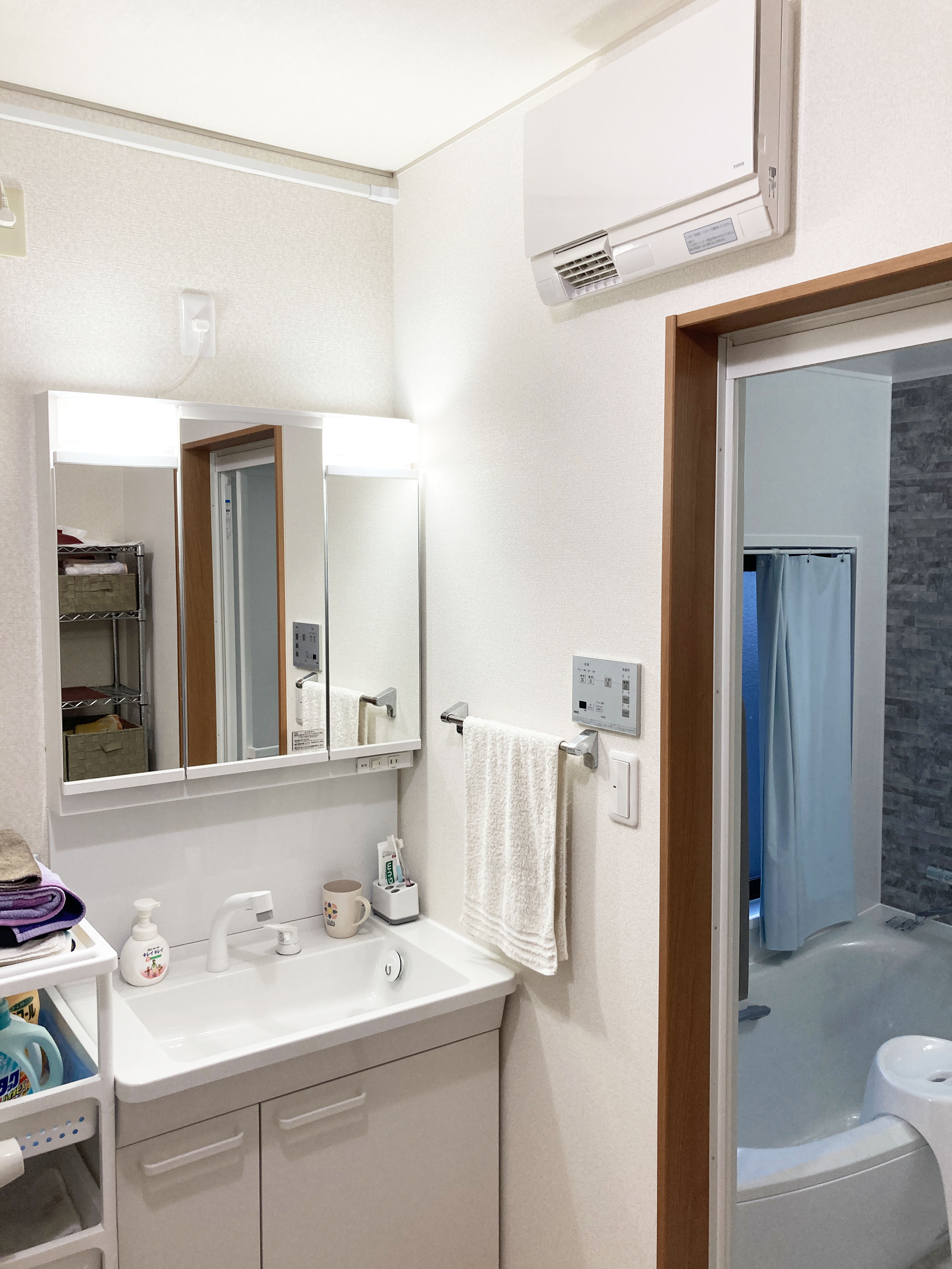 洗面化粧台入替え 明るく収納量もたっぷり