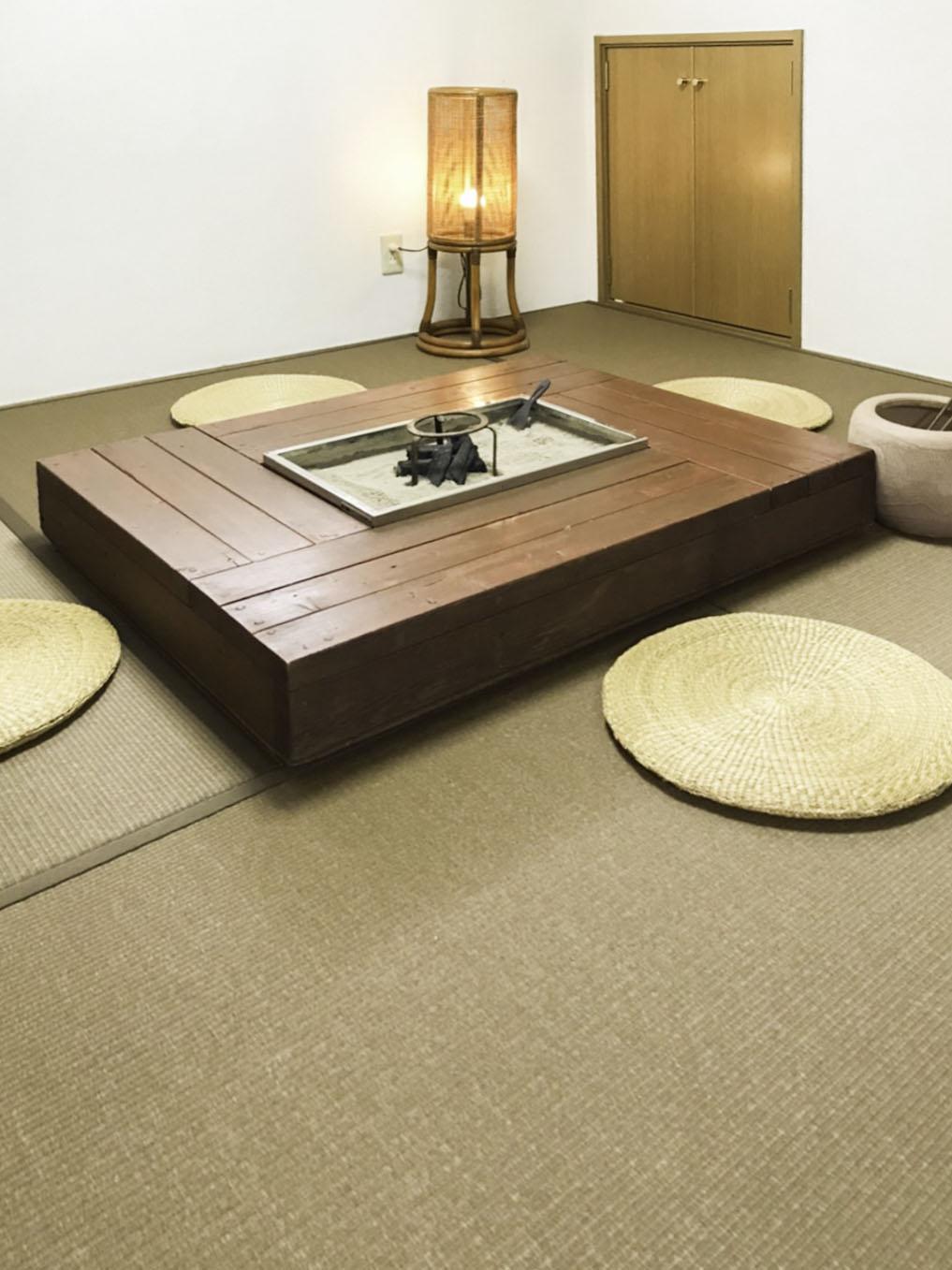 胡桃色の和紙畳でモダンな畳コーナーになりました。