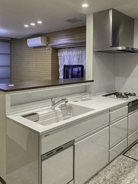 キッチン入替え工事!収納量も増えてきれいなキッチン廻りを実現