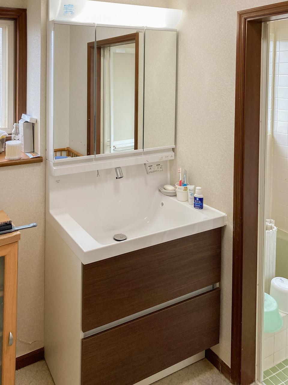 LIXIL MVフルスライド洗面化粧台へ